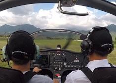 退休後開始學飛!「開飛機可以像考駕照一樣簡單」