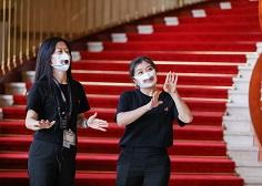 看得到唇語-口罩國家隊為聽損童誕生「透明口罩」