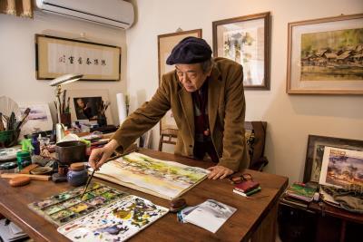 陳陽春將西式水彩融入東方水墨畫的意境營造,像是魔術師,把自然風景裡各種美麗的畫面都收納進紙上,變成一幅幅漂亮的台灣水彩畫。(莊坤儒攝)