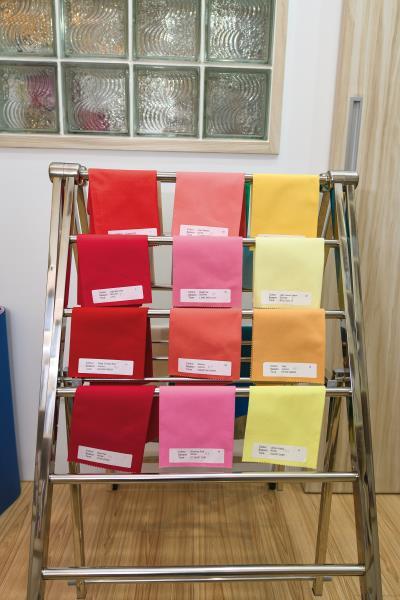 在四季色彩理論裡,紅、粉、黃、藍、綠……各種顏色都有春夏秋冬的不同。