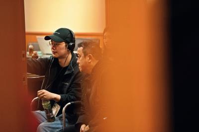 資深電影人曾志偉(右)看好徐嘉凱的雄心壯志,不僅願意演出,也投資擔任監製。