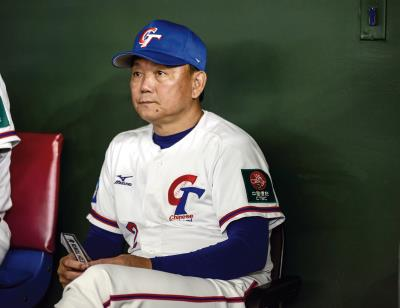 中華隊總教練洪一中展現高度的臨場智慧, 讓中華隊發揮最大戰力。(中華棒協提供)
