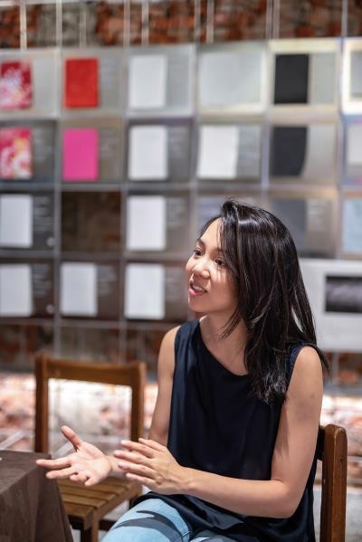 海歸回台的李依耘,從家族記憶裡承接下發揚紙文化的使命。