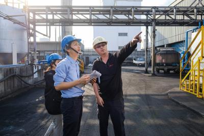「台灣搖籃到搖籃策略聯盟」的執行單位EPEA台灣分公司,到環拓科技實地監測,產品製造過程是否符合C2C的認證規定。