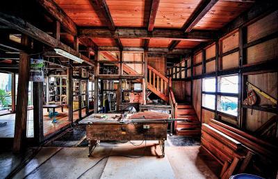 質感溫潤的木造家屋,是讓人一眼就喜歡的暖心空間。 (童裕謙攝)