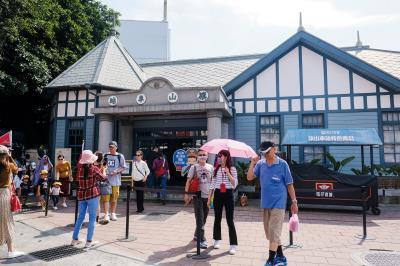 1915年落成的旗山車站,經旗山居民的守護,得以保留下來,修復後成為旗山老街的地標。