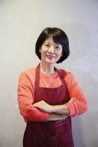 玲玲姊/63歲/行銷主管退休