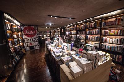 敦南店20多年來,藝術書區佔地比例始終最大。