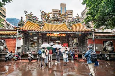 一個城市的發展從來不缺故事,但欠缺好好去認識的機會。「島內散步」帶民眾「旅行,和土地的約定」,「認識台灣」是永不嫌遲的進行式。