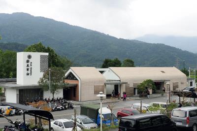 雅致小巧的富里車站,真心獲得當地人的喜愛,也是富里的新景點。