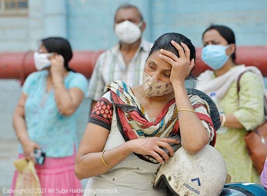 印度新冠疫情再度爆發,黑真菌感染雪上加霜